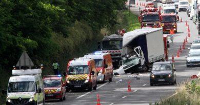 Un mort dans une collision entre poids lourds sur l'autoroute à Lillers